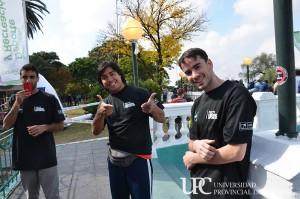 Alumnos de la UPC ayudando en la organización del evento