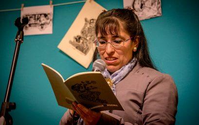 Emotiva presentación de Enrosca el poema, el nuevo libro de la UPC