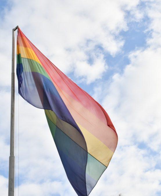 Como cada 17 de mayo, la UPC izó la bandera de la diversidad sexual