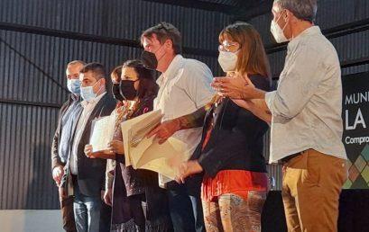 """Entrega de certificados de la """"Diplomatura en gestión integral de residuos sólidos urbanos (girsu) para pequeñas y medianas localidades"""" en La Para"""